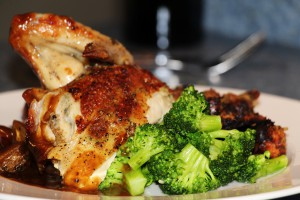 Roasted_Chicken_Dinner_Plate,_Broccoli,_Demi_Glace